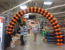 une arche en ballons à l'accueil de votre magasin pour fêter l'anniversaire ou l'inauguration ou tout autre événement !
