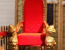 fauteuil du Père Noël majestueux pour recevoir le Père Noël