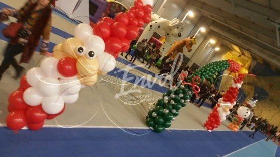 Décoration ballons, arche ballons, colonnes ballons sur le thème de Noël