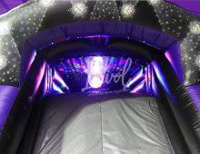 Parcours disco avec jeu de lumière et musique intégrés