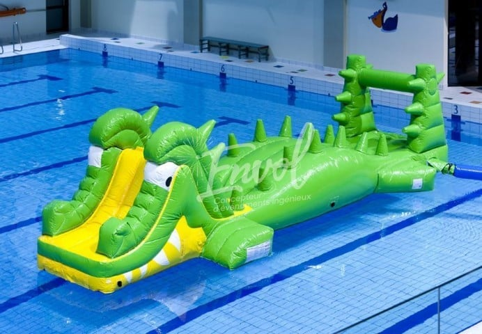aire de jeux gonflable aquatique crocodile parcours gonflable pour piscine. Black Bedroom Furniture Sets. Home Design Ideas