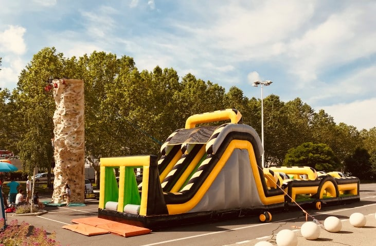 parcours-ninja-course-obstacle-geant