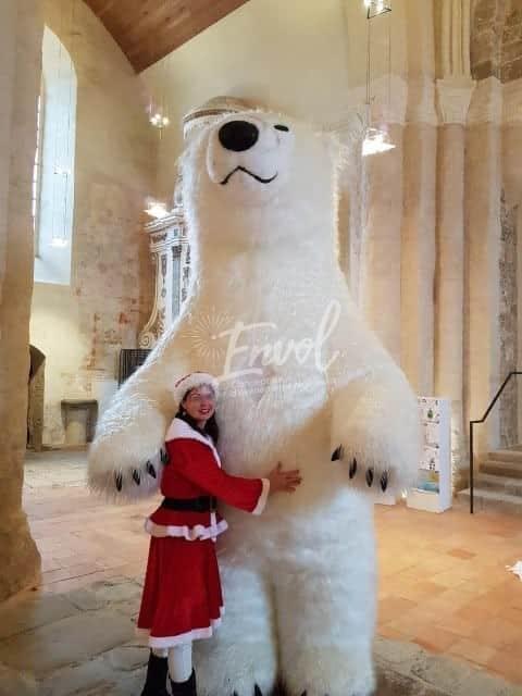 Peluche gonflable géante ours polaire